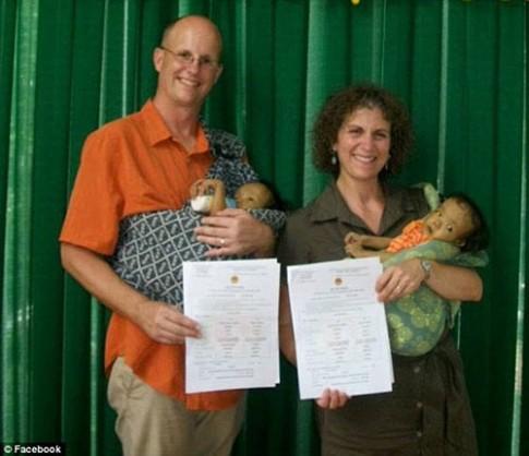 Cảnh éo le bố Canada hiến gan cứu con nuôi người Việt
