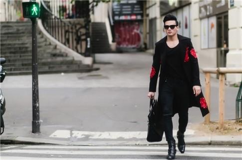 """""""Chàng thơ"""" của Đỗ Mạnh Cường lịch lãm trên đường phố Paris"""