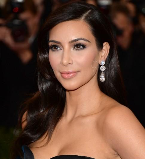 Chàng trai chi 1,7 tỷ đồng phẫu thuật giống Kim Kardashian