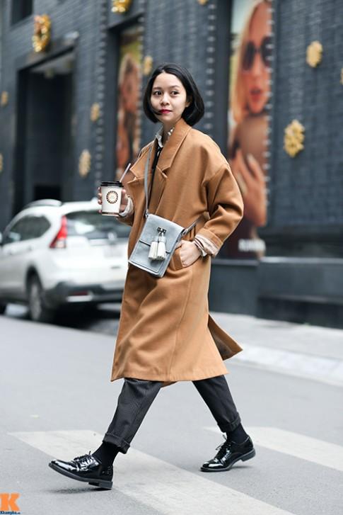 """Chiếc áo khoác đang khiến bạn gái Hà Nội """"say như điếu đổ"""""""