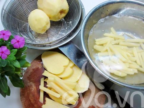 Chiều chiều làm khoai tây chiên nhâm nhi