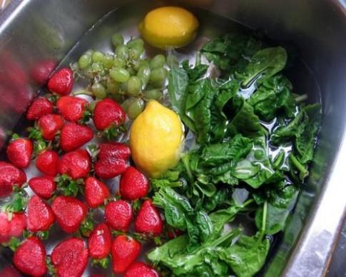 """Chiêu """"ít biết"""" bảo quản rau quả ăn dặm tươi lâu"""