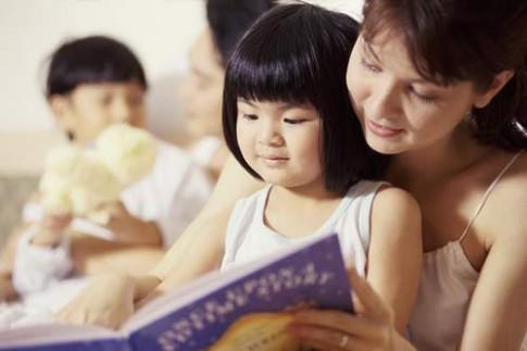 """Cho con học Tiếng Anh sớm cực """"lãi"""""""