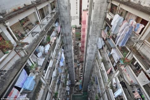Choáng váng nhà chọc trời Hồng Kông 'đâm' tua tủa