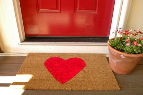 Chọn thảm trước cửa chính để đón vận khí tốt