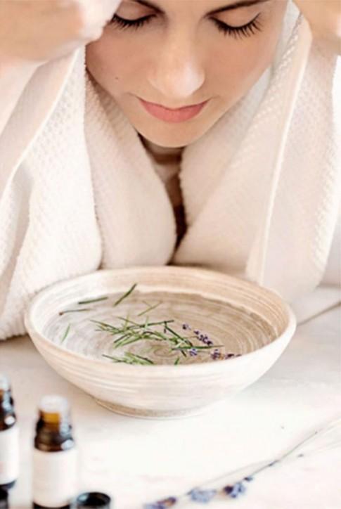 Chọn tinh dầu xông mặt phù hợp với từng loại da