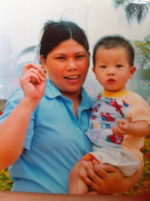 Chuyện bà mẹ tàn tật không chồng một mình nuôi con
