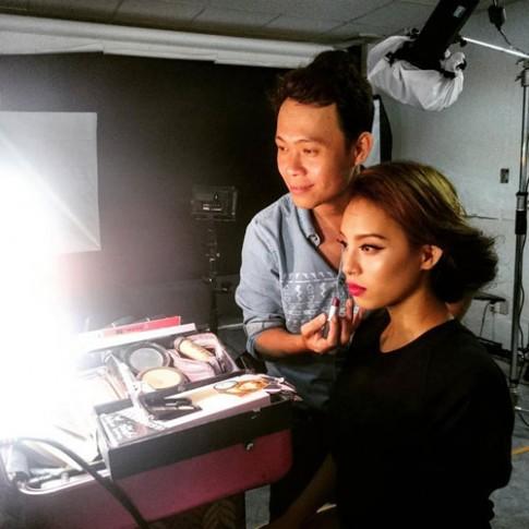 Chuyên gia make-up tiết lộ bí mật khuôn mặt mỹ nhân Việt