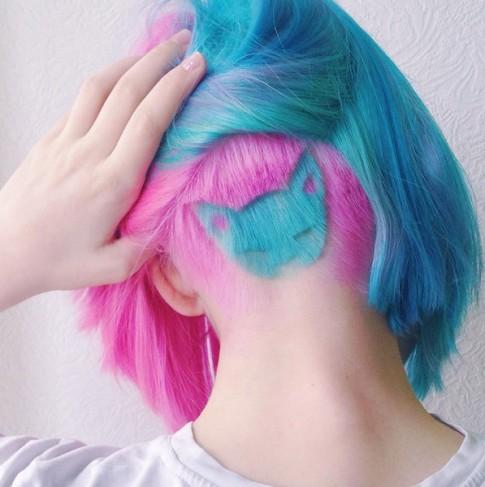Cô gái bất ngờ nổi tiếng nhờ cắt tóc giống hình mèo cưng