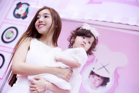 Con gái Elly Trần xinh như tiên trong ngày sinh nhật