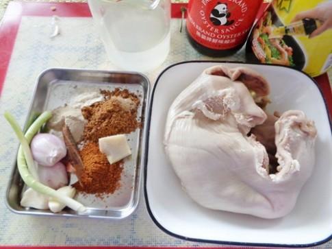 Dạ dày heo om nước dừa ngon cơm