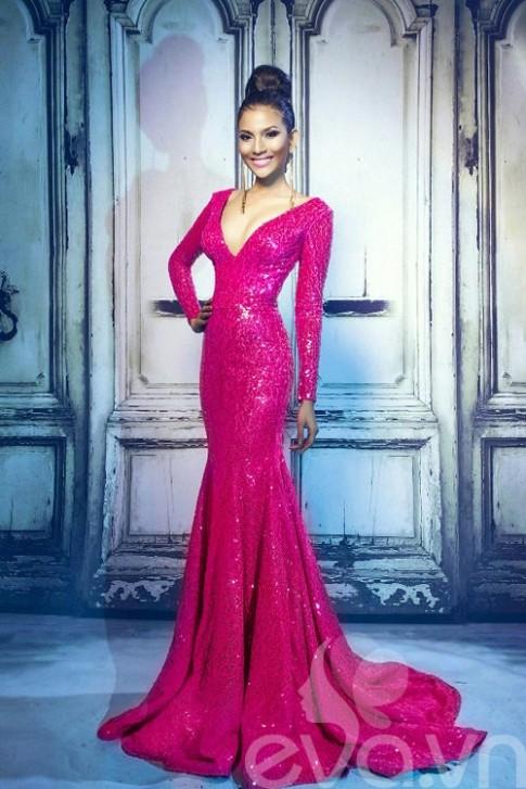 Đầm dạ hội tuyệt đẹp của Trương Thị May