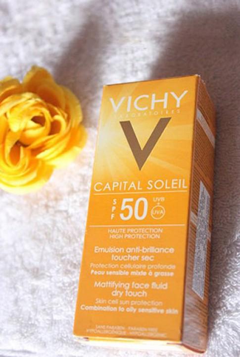 Đánh giá kem chống nắng Vichy Capital Soleil.
