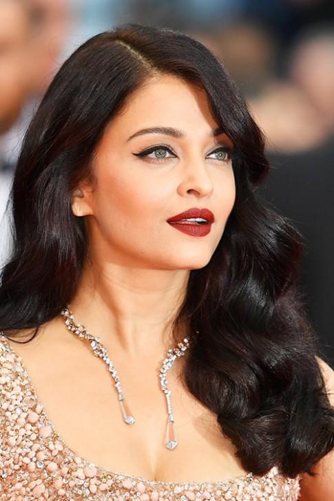 Đi tìm mỹ nhân makeup và làm tóc đẹp nhất Cannes 2016