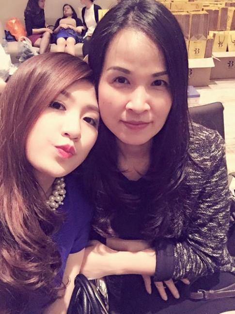 Điểm danh những bà mẹ trẻ đẹp nhất showbiz của sao Việt