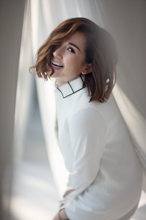 Fashionista Trâm Nguyễn với phong cách đơn sắc gợi cảm