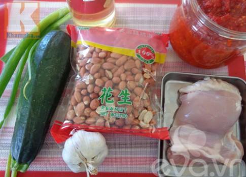Gà xào đậu phộng đơn giản mà ngon cơm
