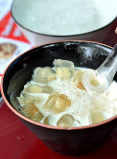 Hà Nội: Rủ nhau đi ăn chè lạ khu Trung Tự