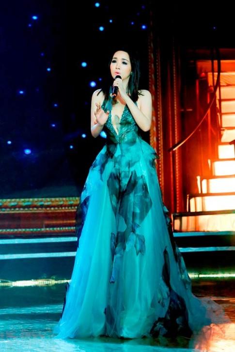 Hoa hậu Giáng My một ngày chạy show 4 sự kiện