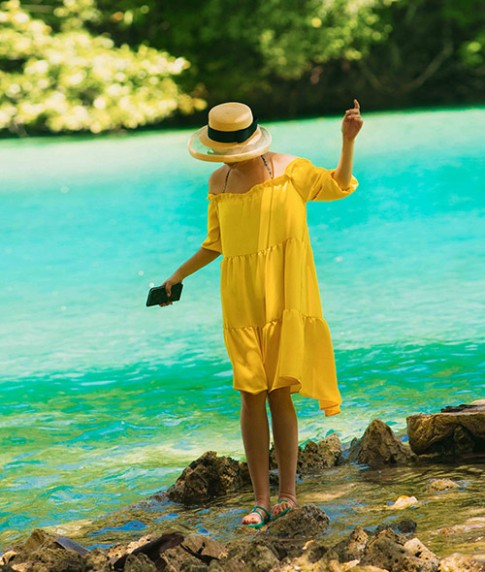 Hoa hậu Giáng My trẻ trung vui đùa ở quốc đảo Palau