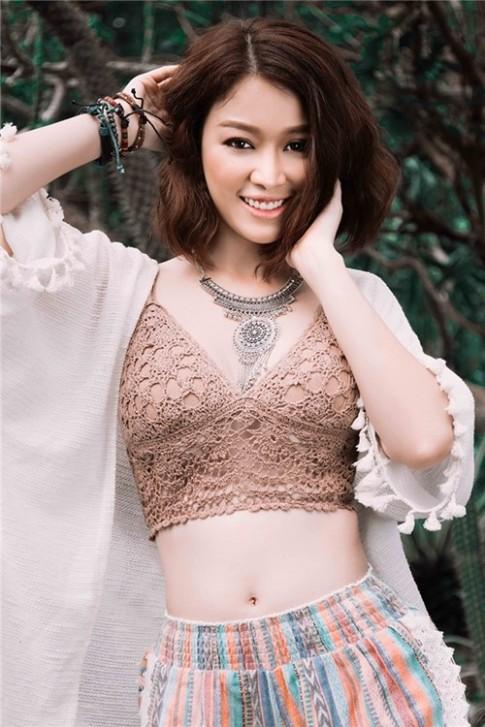 Hoa khôi Trương Tùng Lan cá tính phong cách Bohemian style
