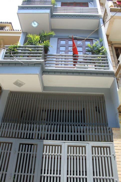 Hoàn thiện nội thất cho nhà 5 tầng với 300 triệu đồng