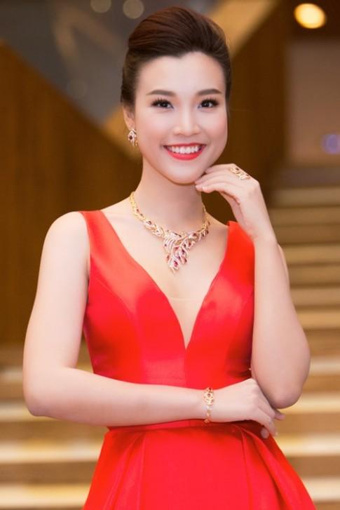 Hoàng Oanh ngày càng sexy vì được bạn trai cho phép