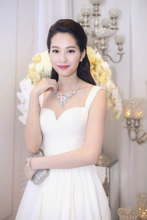 """""""Học lỏm"""" tóc đẹp mùa thu từ hoa hậu Việt"""