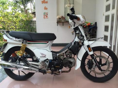 Honda Dream do day phong cach va chat choi