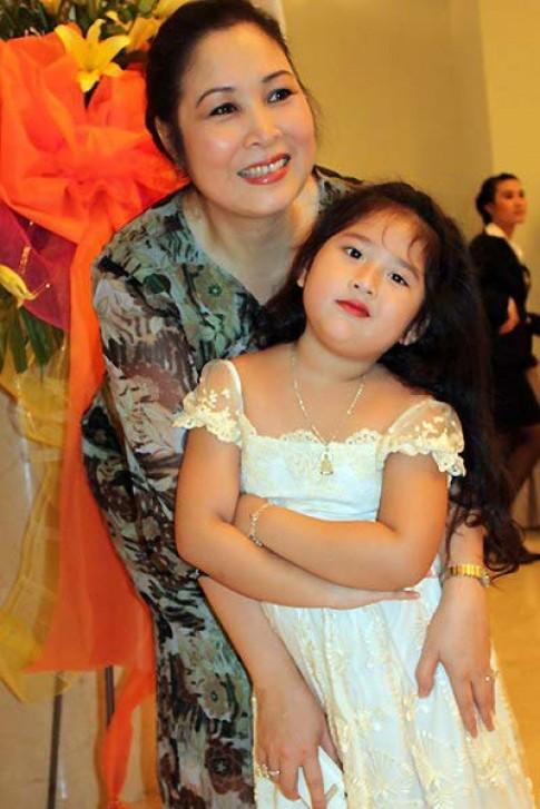 Hồng Vân: Tập bé, tập lớn cùng con