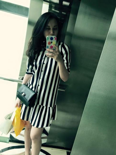 Hot: Siêu mẫu Ngọc Thạch giảm 30cm vòng eo sau sinh 25 ngày
