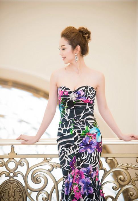 Jennifer Phạm đẹp không tì vết đọ sắc hoa hậu quốc tế