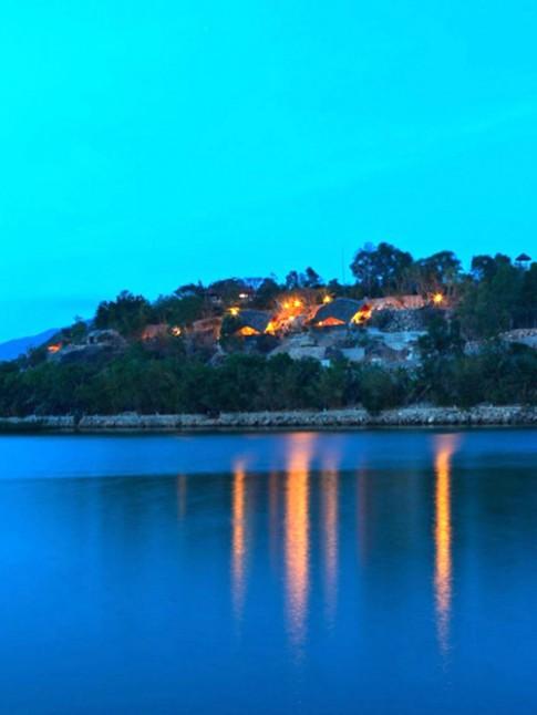 Khách sạn với hồ bơi lưng trời ấn tượng ở Nha Trang