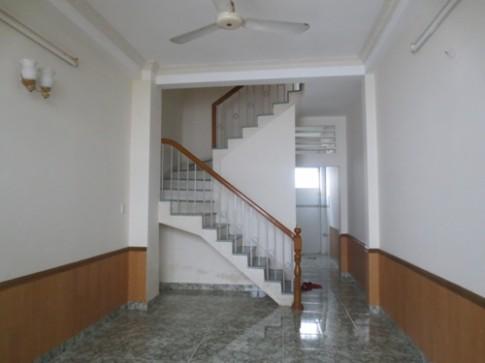 Làm mới nhà 2 tầng theo phong cách hiện đại