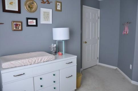 Làm phòng cho bé với đồ đạc đơn giản