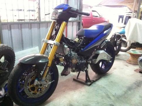 Lộ diện chiếc Exciter 150 độ dàn chân PKL của biker nước bạn