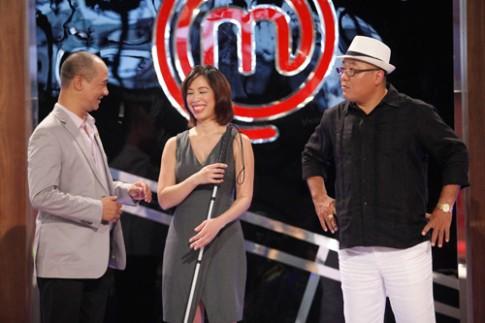 MasterChef VN: Christine Hà và Hoàng Khải bất đồng ý kiến trong tập đầu