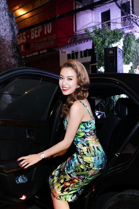 MC Phan Anh thân thiết Hoàng Thùy Linh sau ồn ào talkshow
