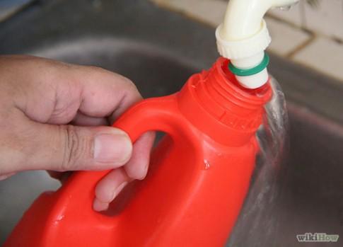 Mẹ tiết kiệm 225 lít nước mỗi tháng cho gia đình