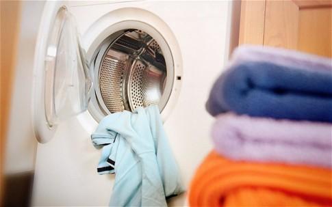 Mẹo giặt quần áo sạch sẽ, bền màu không phải ai cũng biết