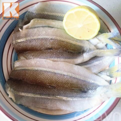 Mẹo rán cá không bắn dầu và cách pha nước chấm cá tuyệt ngon