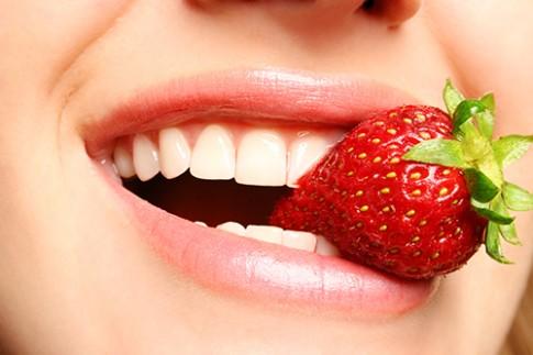 Mẹo vặt cho hàm răng trắng sứ