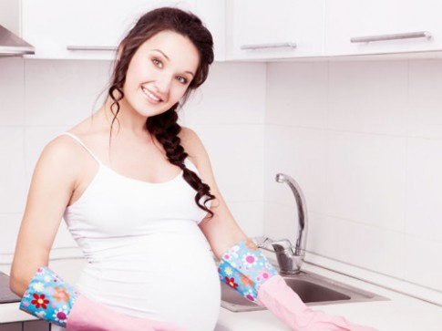 Mẹo vệ sinh nhà cửa an toàn cho bà bầu