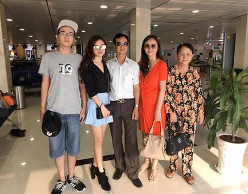 Midu đi du lịch cùng gia đình sau chia tay Phan Thành