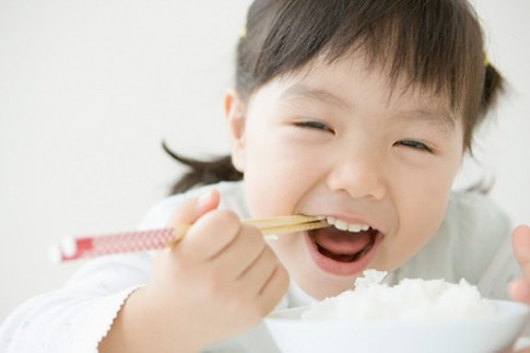 Nên và Không nên để con ăn được nhiều hơn mỗi bữa