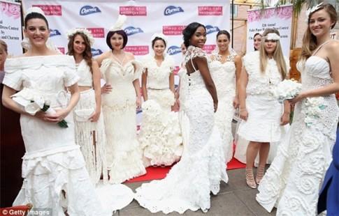 Ngạc nhiên tột độ khi biết những bộ váy cưới lộng lẫy được làm từ đâu