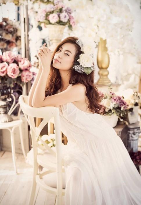Ngắm mỹ nhân gợi cảm nhất nhì showbiz Việt
