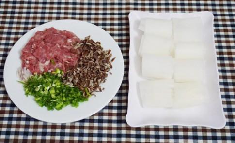 Ngon cơm với củ cải cuộn thịt hấp
