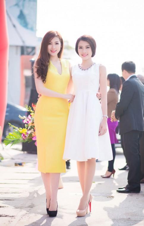 Người đẹp làn da Thanh Tú đọ sắc cùng 'đàn chị' Á hậu Tú Anh