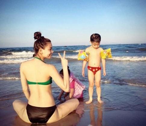 Người đẹp Việt 'bắt sóng' trào lưu khoe nếp gấp đùi nhanh nhất